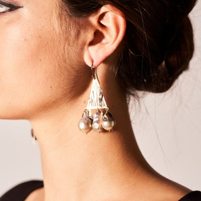 18kt Gold Triangle Earrings with Pearls