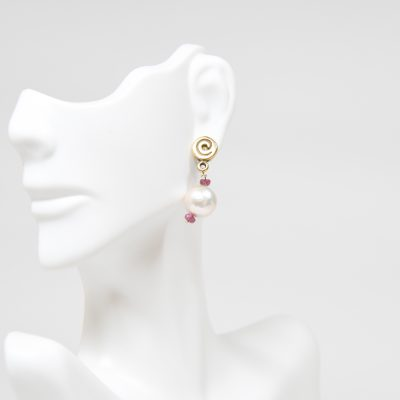 Swirl Earring With Pearls